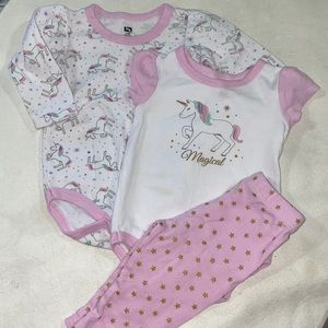 🛍 Cute little Unicorn outfit size 6-9 months
